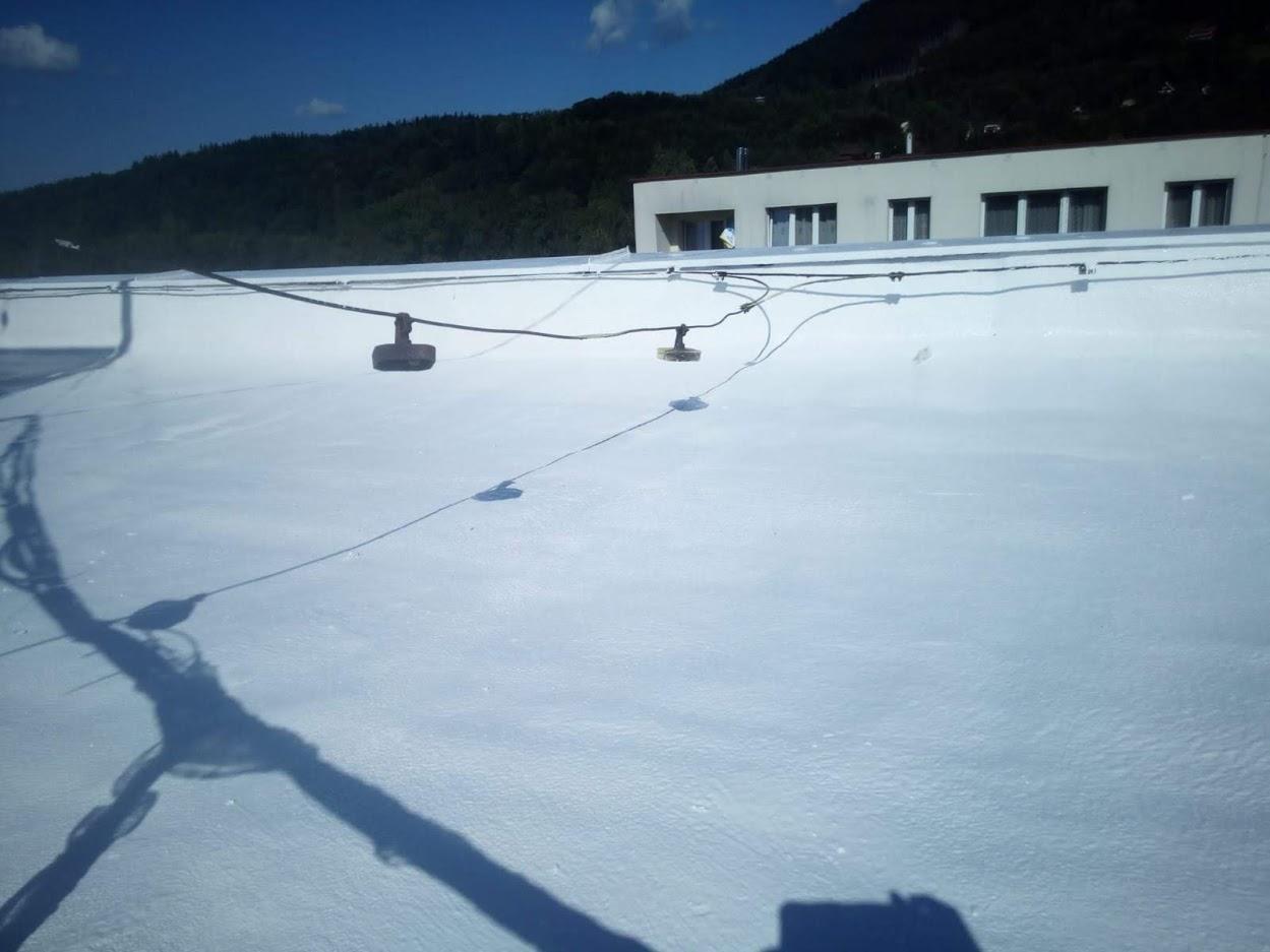 Zateplení střechy na bytovém domě