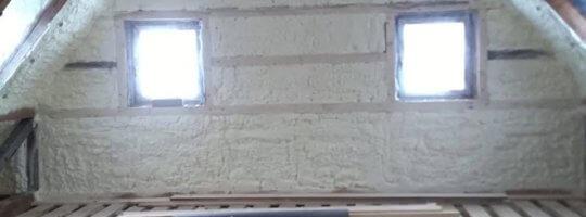 Tepelná izolace srubu chytrou pěnou